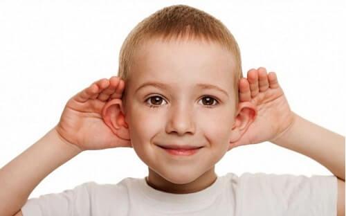 Cách nhìn người biết lắng nghe