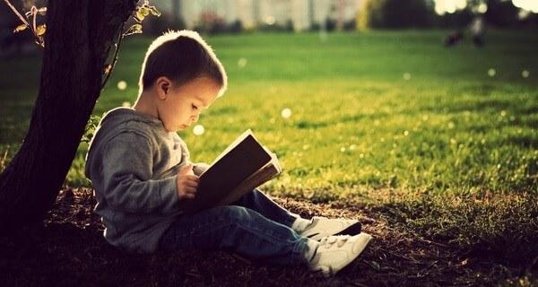 Sống mạnh khoẻ nên đọc sách mỗi ngày
